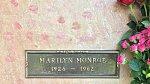 Monroe byla pohřbena v kryptě č. 24 na Corridor of Memories (Chodbě vzpomínek).