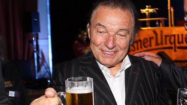 Božský pivař Karel Gott