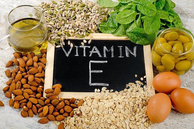 Vitamín E je v kosmetickém průmyslu známý jako zázračný bojovník proti stárnutí. Dopřejte si ho v přírodní formě.