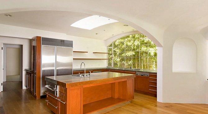 Kuchyně v pacifickém domě snad ani není potřeba.