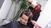 """Eva (52): """"Potřebuji zkrotit neposlušné vlasy."""""""