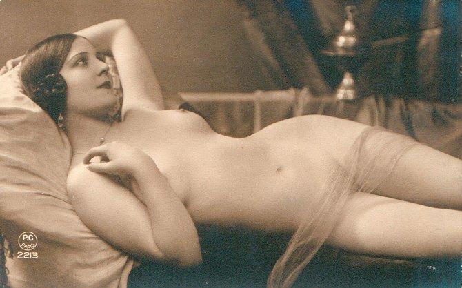 Tyto dámy rozpalovaly naše pradědečky v roce 1925