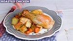 Pečené kuře na tymiánu - Co budete potřebovat: 1 celé kuře, olivový olej, sůl a pepř, půlku citronu a 4 snítky tymiánu.