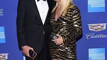 S manželem Alanem Hamelem jsou skvělý tým a neustále si i pouhými pohledy vyznávají lásku.