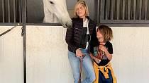 Malý Arthur a koně jsou pro Selmu vším.
