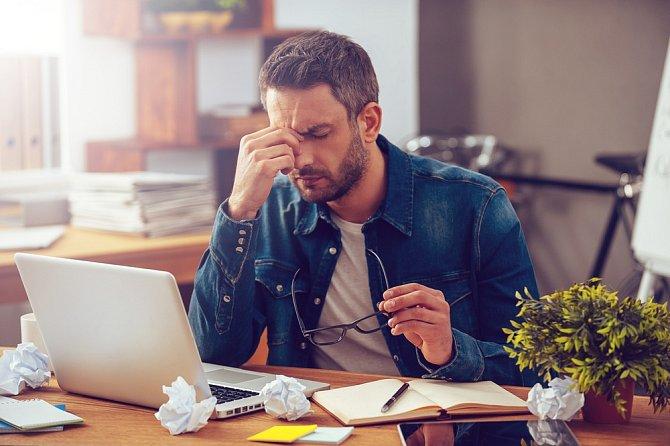 Musíte počítat s tím, že zaměstnavatel dostane životopisů desítky a nemá čas je všechny důkladně studovat. Na nějaké romány nebude zvědavý.