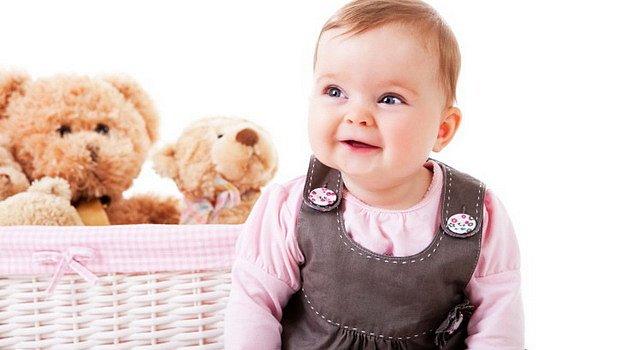 Na návštěvu za miminkem: Koupit chrastítko, nebo plyšáka?