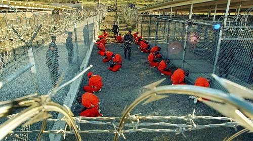 <p>Kontroverzní věznice na Guantánamu </p>