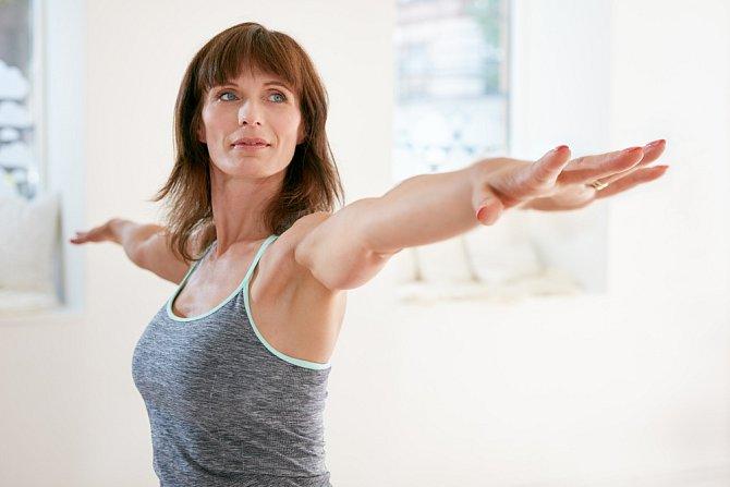 Pravidelný pohyb dodá pažím tvar.