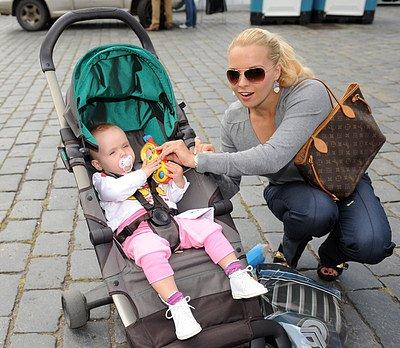 Katka Kristelová s dcerou