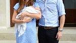 Vévodkyně Meghan a princ Williams dodržely tradice u všech tří dětí (na snímku s prvozozeným princem Georgem).