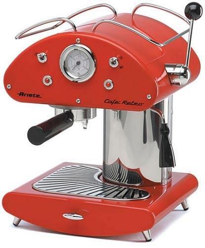 Skvělým doplňkem do retro kuchyně je kávovar, který je však stejně výkonný jako moderní přístroje. Funguje na kapsle i na mletou kávu.