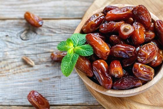 Datle jsou oblíbené především na Blízkém Východě, ale jako sladidlo při pečení jsou téměř nenahraditelné. Vyzkoušejte datlovou pastu.