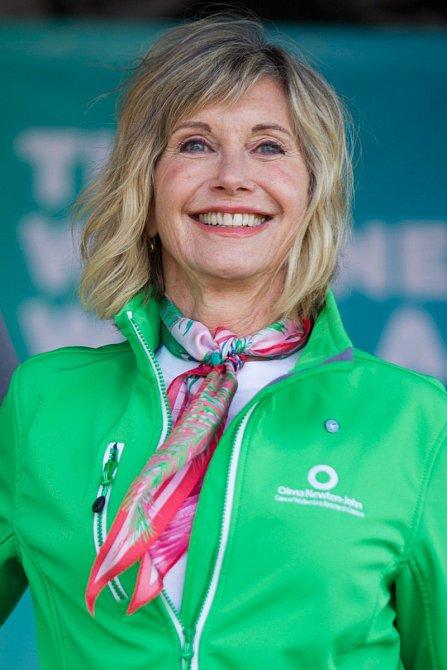 Olivia Newton-John také válčila s rakovinou.
