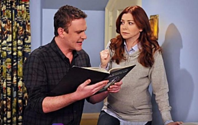 Alyson Hannigan - Tato seriálová hvězda musela své těhotenství maskovat během natáčení seriálu Jak jsem potkal vaši matku. Tvůrci vymysleli, že se Alyson postava budete jednoduše přecpávat.