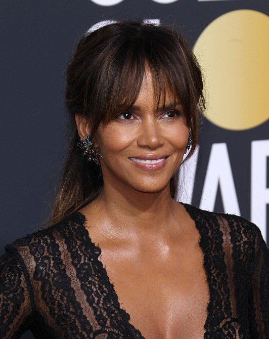 Halle Berry, 51 let