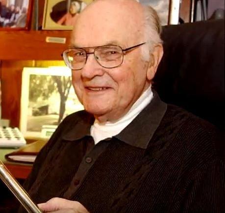 Vteřinové lepidlo – I tento zachránce každé domácnosti vznikl vlastně úplně náhodou. Vědec Harry Wesley Coover Jr. Toho času zaměstnanec Kodaku dostal za druhé světové války úkol vymyslet plastovou část u zaměřovače zbraní.
