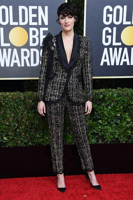 Phoebe Waller-Bridge se sázka na kalhotový kostým vyplatila.