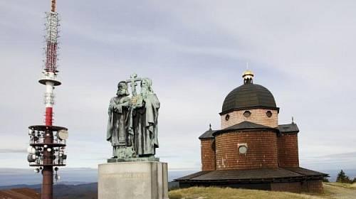 <p>Hora Radhošť je jedno z nejtajemnějších míst u nás: rituály oslav plodnosti se zde konají už tisí