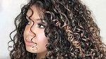 Ženy pro vlnité vlasy často nepředstavitelně trpěly.