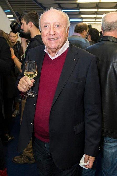 Navzdory ohlášenému rozchodu, oslavil Felix Slováček své narozeniny s Lucií.