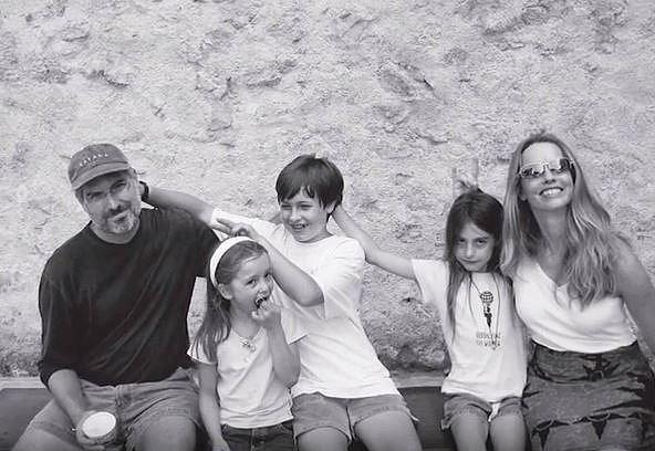 Eve, Reed a Erin jsou dětmi Steva Jobse. Po jeho smrti majetek dětí do jejich plnoletosti spravují fondy a jejich matka.
