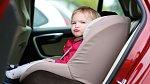 Dětská autosedačka: 6 – 10 let Autosedačka po letech užívání ztrácí své schopnosti ochránit dítě. Je v ní spousta plastu, polystyrénu a syntetické látky. Určitě tedy ratolestem nepořizujte sedačky z druhé ruky.