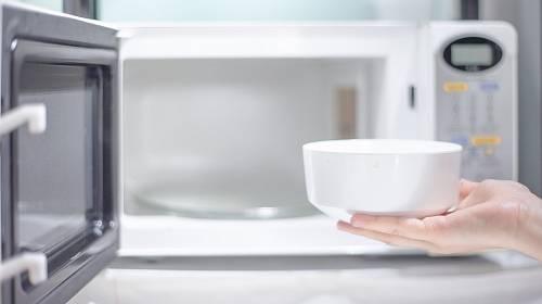 Vyčistěte svou mikrovlnku dokonale!
