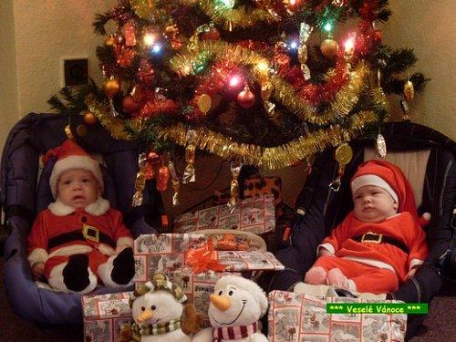 Nejhezčí dárek jsou naše pětiměsíční dvojčátka Pepánek a Radunka