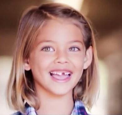 Laneya Grace - Když jí byly tři roky, poslal její otec fotografie do modelingové agentury. Ta se okamžitě ozvala zpět s tím, že má pro jeho dceru kontrakt. Od té doby kariéra této uhrančivé krásky k radosti její i rodičů uspokojivě...