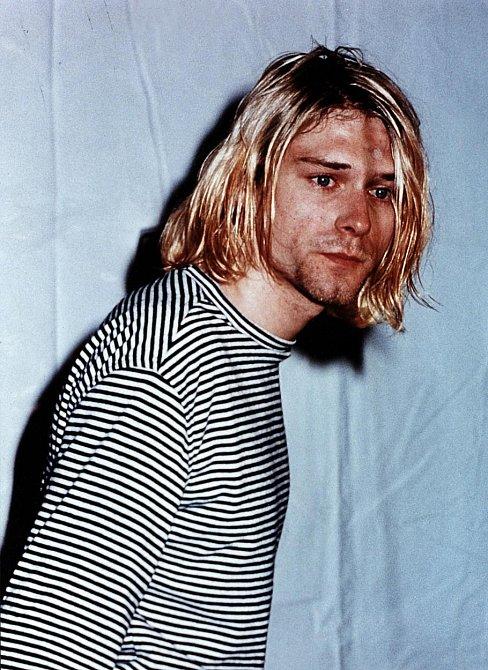 """Kurt Cobain - z jeho dopisu na rozloučenou: """"Frances a Courtney, budu stále s vámi. Prosím jdi dál, Courtney, pro Frances. Její život bude mnohem šťastnější, když v něm nebudu. Miluji tě. Miluji tě."""""""