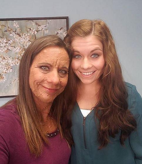 Libby se svou krásnou dcerou Lindsey.