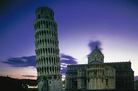 <p>Na rozlehlém náměstí Zázraků v Pise vzdoruje staletím i gravitaci slavná zvonice. Vpravo další kl