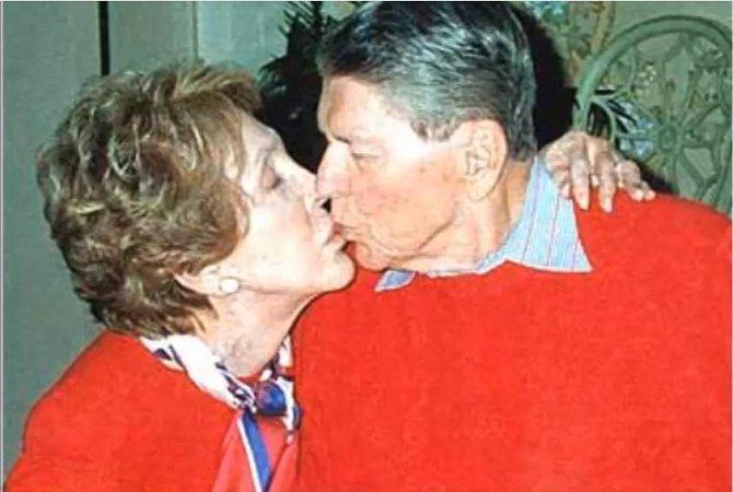 Ronald Reagan (+ 5. června 2004)