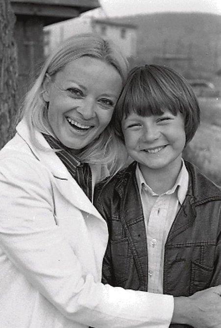 S Janou Brejchovou při natáčení filmu Za trnkovým keřem.
