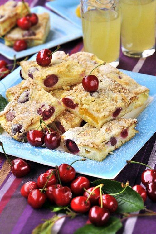 TOP recepty – Třešňový mejdan (snadná bublanina, tvarožník nebo megaknedlík)