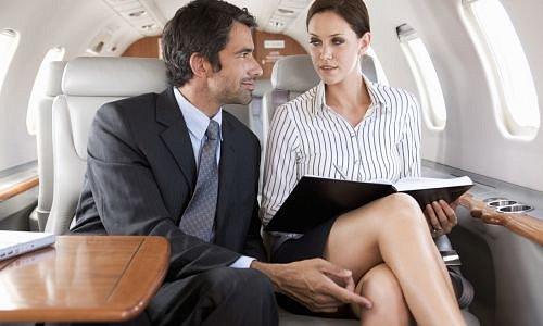 Pár v letadle
