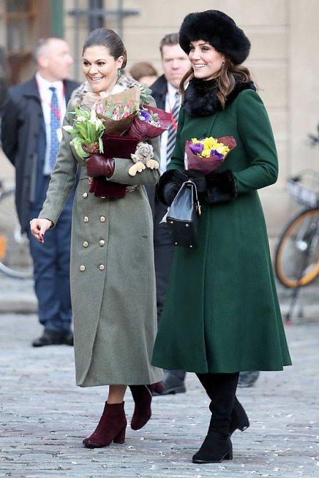 Victorie Švédská má mnoho povinností za hranicemi své země. Setkání s vévodkyní Kate patří mezi ty milé.