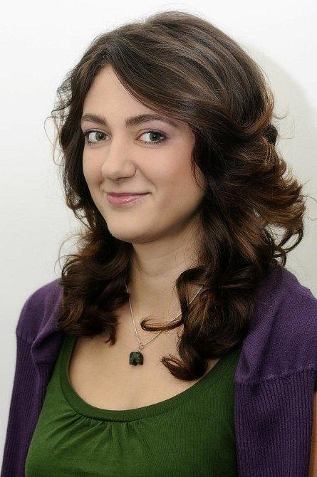 """Kamila (25): """"Nevím, jak si upravovat vlasy."""""""