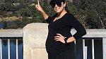 Eva Longoria (42) se letos také stane maminkou! Nejdříve ji podezřívali, že s přibývajícím věkem začala tloustnout, ona místo toho připravila s manželem José Bastónem (49) pro všechny sladké překvapení.