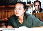 Cheyenne Brando a její otec Marlon Brando (v malém výřezu)