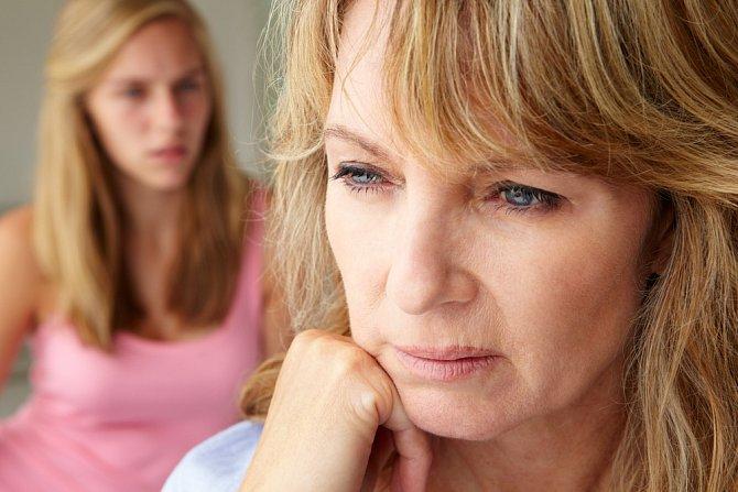 Menopauza může nabourat i vztahy s dětmi.
