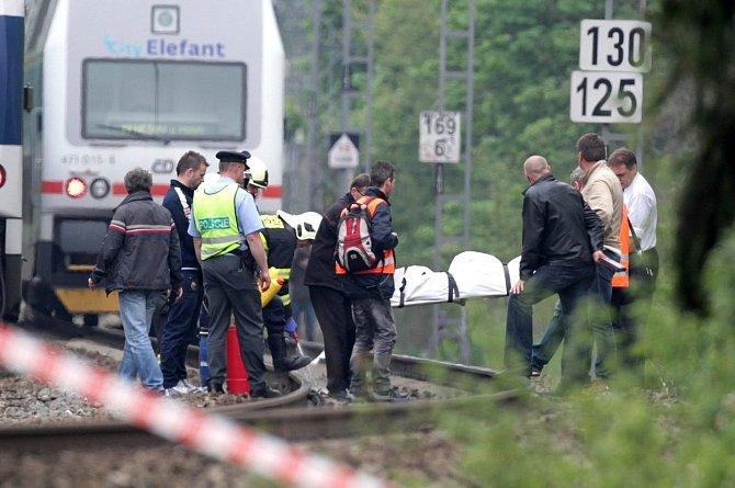 Iveta Bartošová se rozhodla svůj život ukončit pod koly vlaku.