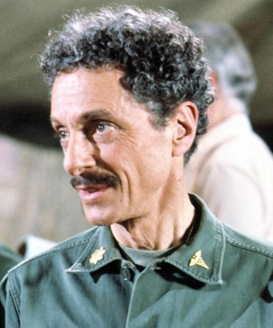 Allan Arbus: 24. dubna 2013 zemřel ve věku 95 let psycholog Sydney Freedman ze seriálu M.A.S.H.