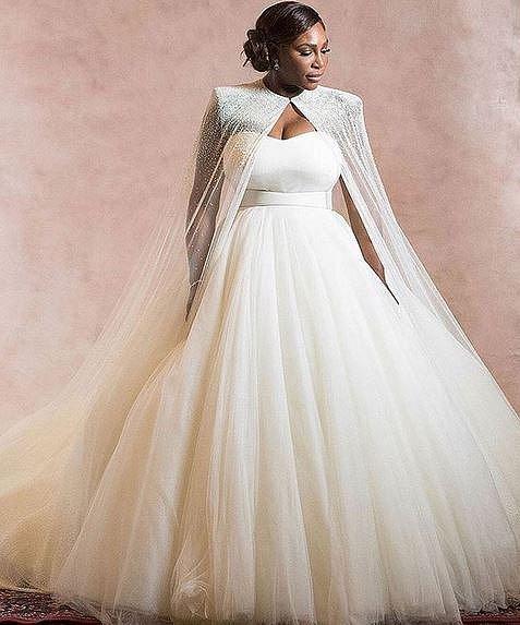 Svatební šaty byly překrásné a přesto, že nevěsta není romantický typ, vykouzlily z ní princeznu!