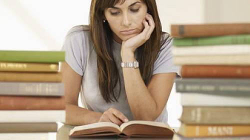 12 knih, které by měla znát každá žena