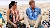 Poprvé šaty oblékla během cesty do Austrálie a na Nový Zéland.