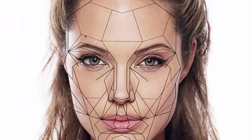 Vědecký rozbor 10 nejkrásnějších ženských tváří světa. Vážně jsou nejkrásnější?