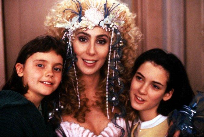 Film s Cher, Winonou Ryder a Christinou Ricci v hlavních rolích.