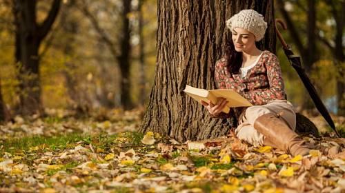 Podzim s knížkou: Ty nejlepší novinky, které stojí za přečtení